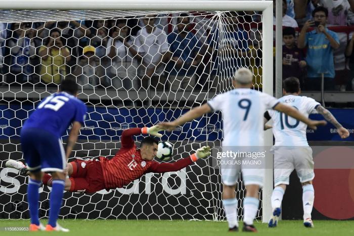 Bàn thắng trên chấm Penalty của siêu sao đang chơi cho Barcelona là cũng là điểm nhấn đáng chú ý nhất về phía Những vũ công Tango.