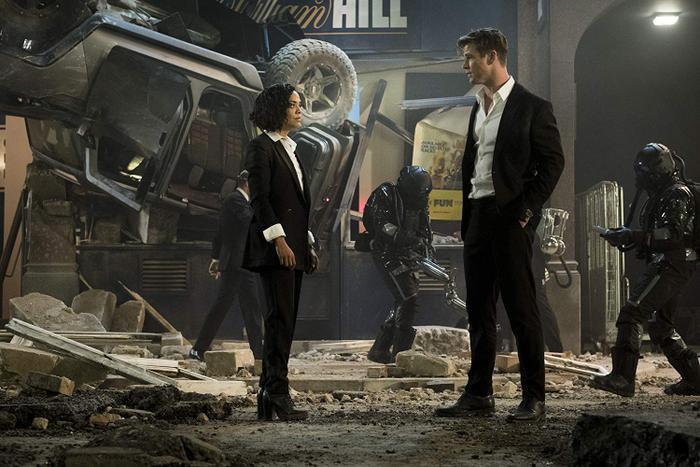 Khi các nhân vật nữ đồng loạt thắc mắc về chữ men trong X-Men và Men in black ảnh 4