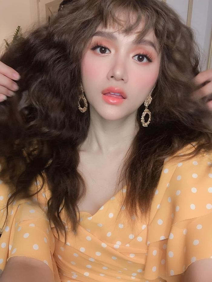 … là nhờ ê-kíp tích cực đánh rối và… tung tóc giúp Hoa hậu Chuyển giới Quốc tế 2018.