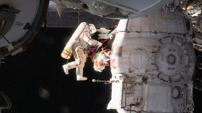Cho các mẫu tinh dịchtừ ngoài không gian là công việc không phải phi hành gia nào cũng sẵn sàng thực hiện.