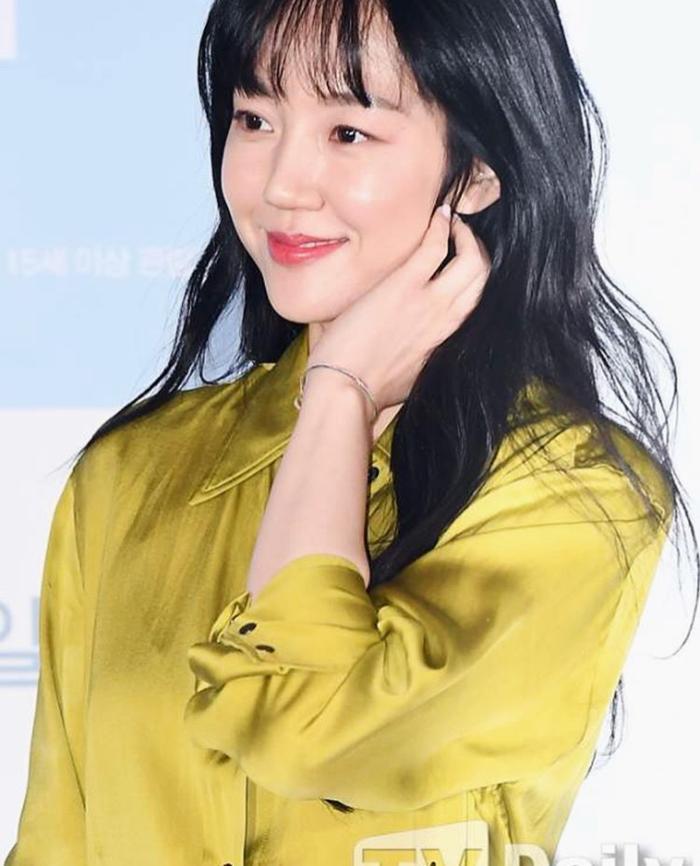 Im Soo Jung đeo duy chỉ chiếc vòng quen thuộc ở nhiều sự kiện.