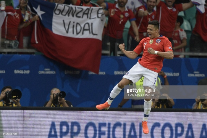 Sanchez ghi bàn kết liễu trận đấu.