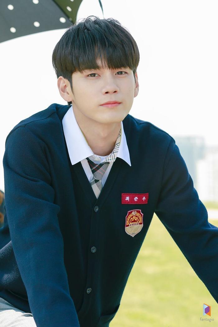 Ong Seong Woo nhận vai nhân vậtChoi Joon Woo, một nam sinh cô đơn và điều đó đã trở thành thói quen nhưng anh có tinh thần mạnh mẽ.