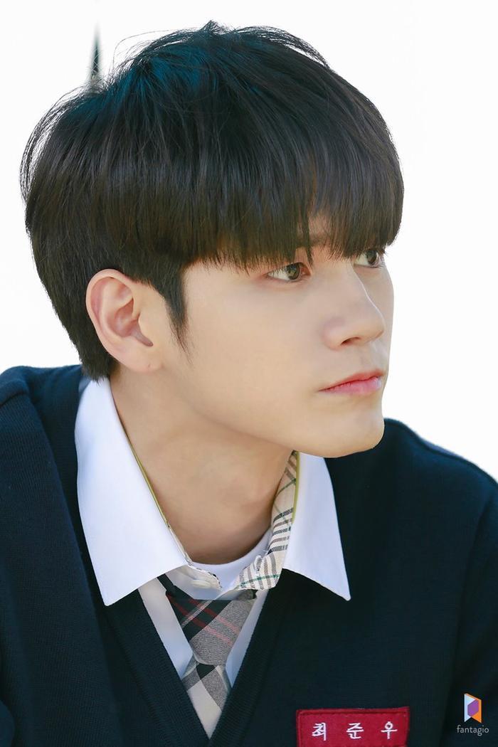 Mặc dù Choi Joon Woo đôi lúc khiến người đối diện thiếu thiện cảm ngay từ cái nhìn đầu tiên, nhưng đấy chỉ đơn giản là anh ấy luôn cô đơn và không biết thể hiện cảm xúc của bản thân.