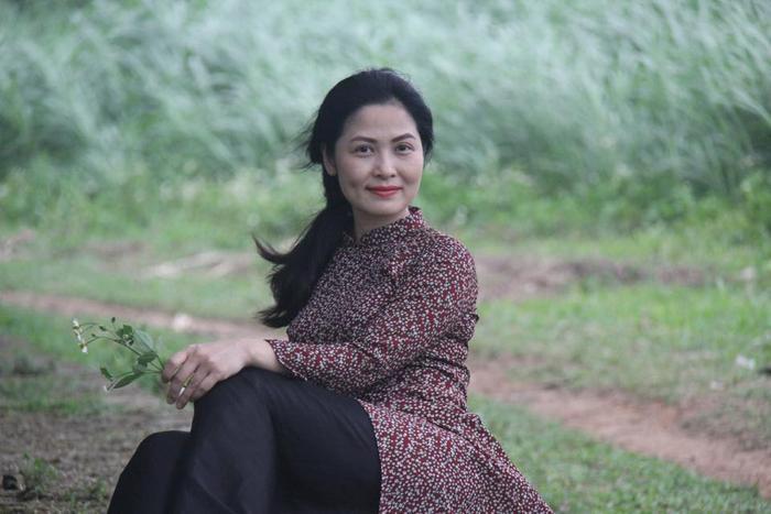 Cô liên tục xuất hiện trên truyền hình với hình ảnh phụ nữ nông thôn lam lũ, chịu thương chịu khó. Hình ảnh cô thôn nữ đã ăn sâu trong lòng khán giả, với khuôn mặt Á Đông của cô .