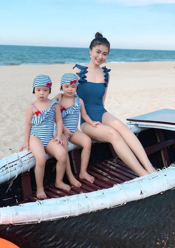 Chân dung hai cô con gái xinh xắn của Hà Phương.