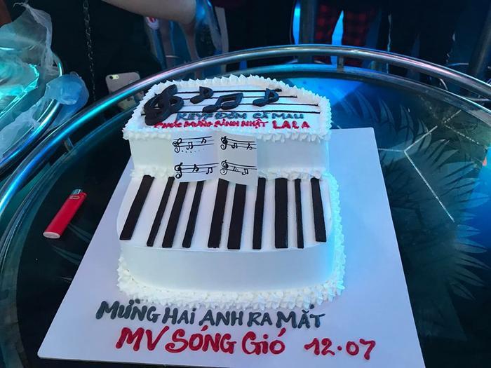 Chiếc bánh kem các fan Cà Mau chuẩn bị để dành tặng cho K-ICM.