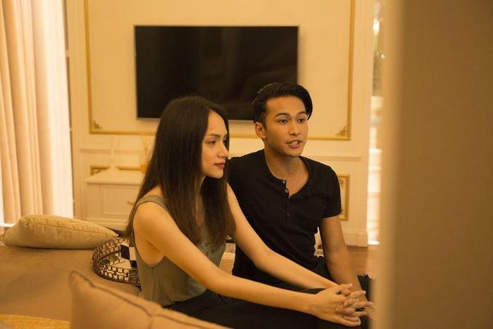 Cách đây không lâu, Philip Thinroj đã bất ngờ sang Việt nam, dấy lên tin đồn cho việc anh đang cùng Hương Giang thực hiện những cảnh quay cho phần 3 của #ADODDA.