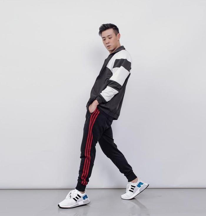 Ngoài ra, anh chàng sinh năm 1993 cũng đang là gương mặt đại diện cho một số nhãn hàng về giày thể thao, trang phục đá bóng cũng như là khách VIP của nhiều sự kiện thời trang, giải trí.