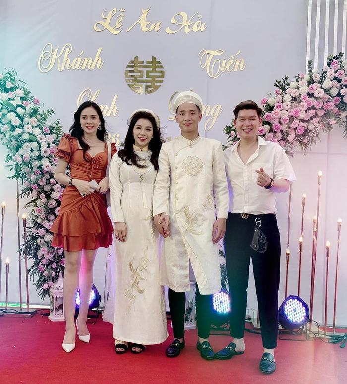 Vợ yêu của Bùi Tiến Dũng trong ngày đính hôn: Xinh đẹp duyên dáng, thuần Việt hết mức ảnh 4