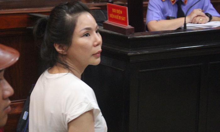 Vợ cũ bác sĩ Chiêm Quốc Thái bị tuyên án 18 tháng tù