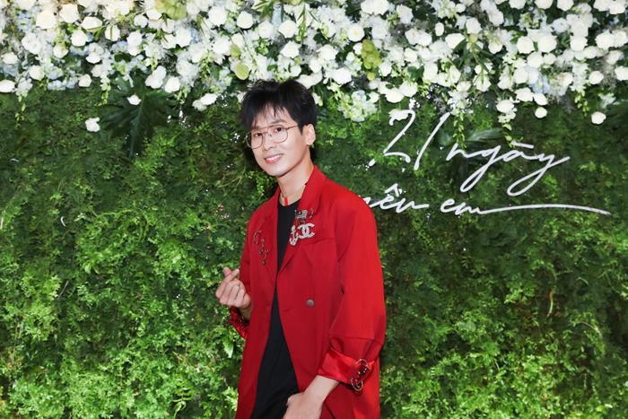 Trấn Thành  Hari Won đến chúc mừng, Tuấn Trần bất ngờ ngất xỉu phải nhập viện ngay giữa họp báo ra mắt phim mới ảnh 5