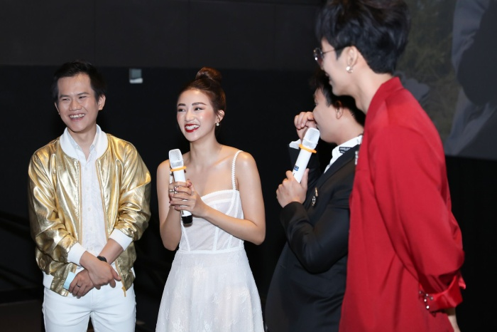 Trấn Thành  Hari Won đến chúc mừng, Tuấn Trần bất ngờ ngất xỉu phải nhập viện ngay giữa họp báo ra mắt phim mới ảnh 4