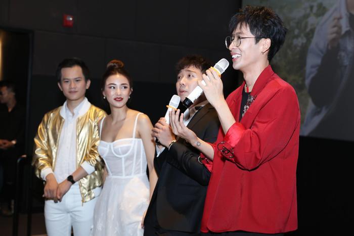 Trấn Thành  Hari Won đến chúc mừng, Tuấn Trần bất ngờ ngất xỉu phải nhập viện ngay giữa họp báo ra mắt phim mới ảnh 3