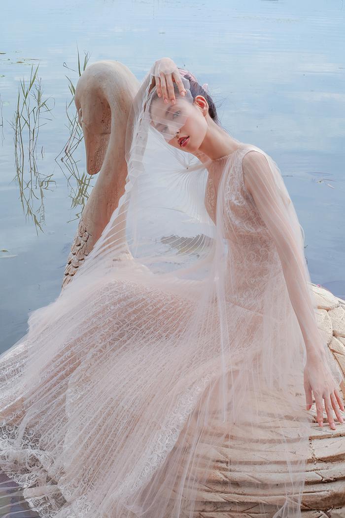 Vẻ đẹp mơ màng thiên thần khiến ai cũng phải xao động
