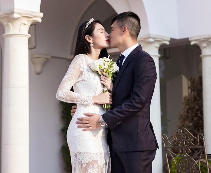 Nhìn Song - Song ly hôn, càng ngưỡng mộ Công Vinh và Thủy Tiên!