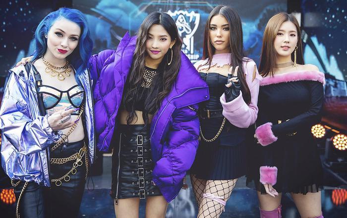 Bộ tứ quyền lực từng khiến giới game thủ Liên Minh Huyền Thoại phát cuồng, gồm Jaira Burns,Jeon So-yeon,Madison Beer vàCho Mi-yeon