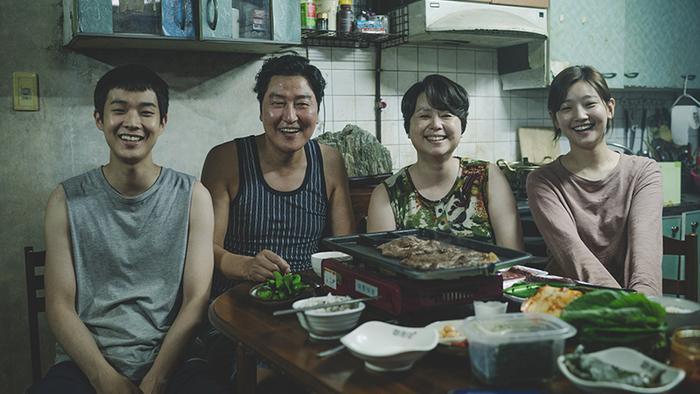 """Bong Joon Ho của Parasite """"đại thắng"""" cùng hai đề cử về đạo diễn và biên kịch."""