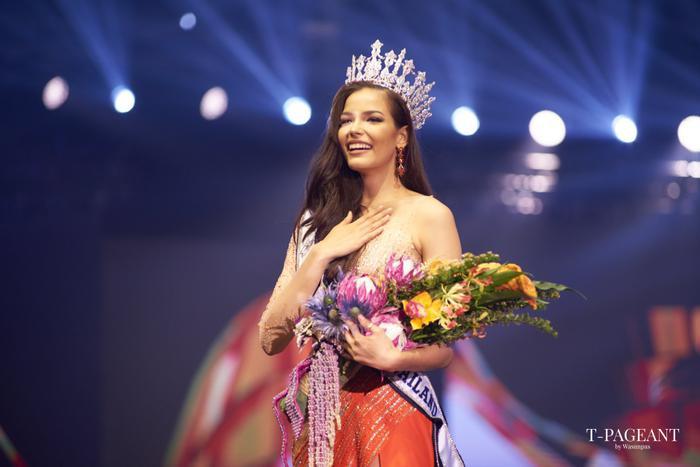 Nhận xét của HHen Niê về người đẹp từng 5 lần intop trước khi đăng quang Miss Universe Thailand 2019 ảnh 0