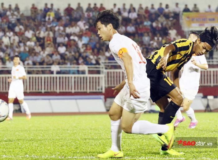 Công Phượng đi Bỉ là một cú hích lịch sử cho bóng đá Việt Nam.
