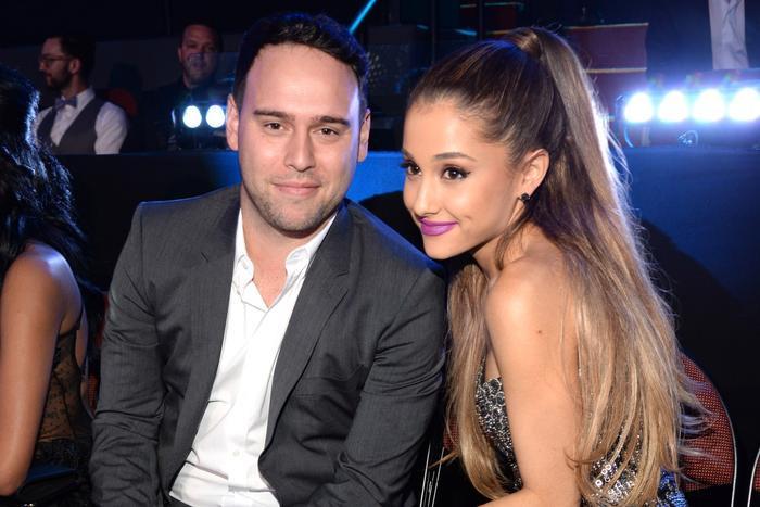 Scooter Braun hiện đang là quản lí của nhiều ngôi sao lớn như Ariana Grande, Justin Bieber,…