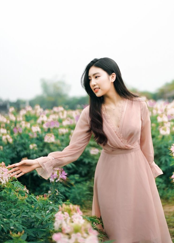 Diện quân phục màu xanh đi thi Đại học, nữ sinh Hà Tĩnh bất ngờ nổi rần rần bởi quá đỗi xinh đẹp ảnh 8