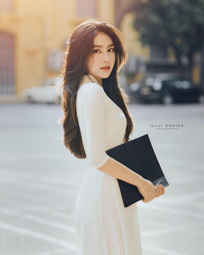 Diện quân phục màu xanh đi thi Đại học, nữ sinh Hà Tĩnh bất ngờ nổi rần rần bởi quá đỗi xinh đẹp ảnh 10