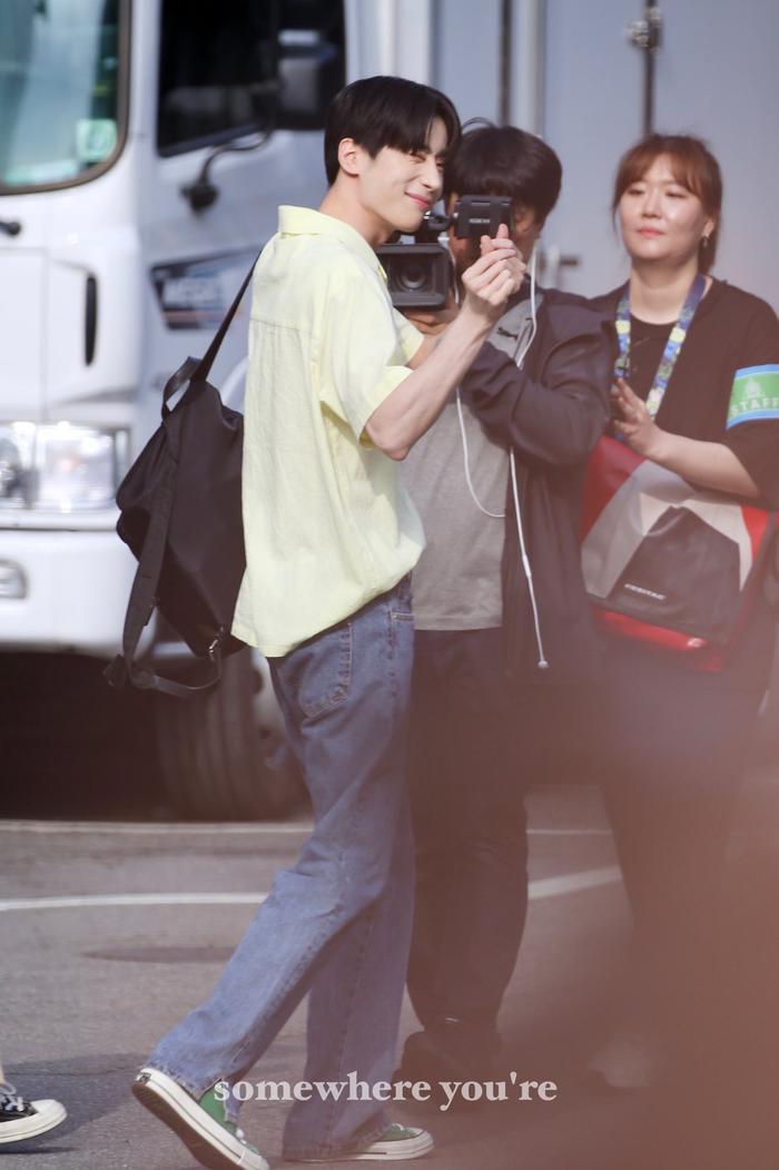 Qua giọng hát ngọt ngào, Seung Woo được nhiều thực tập sinh khác ngưỡng mộ. Hiện đứng ở hạng 9.