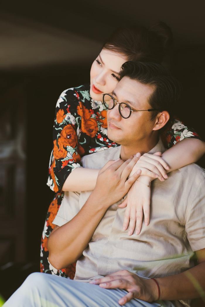 Kỷ niệm mối tình đẹp hơn 20 năm, MC Đan Lê tung bộ ảnh lãng mạn với đạo diễn Khải Anh