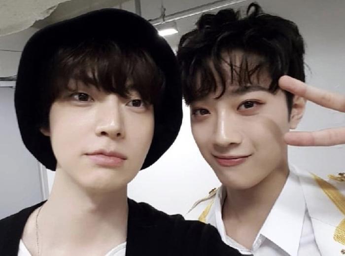 Hai anh emLai KuanLin và Ahn Jaehyun.