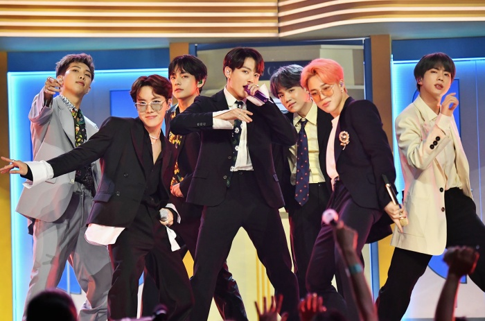 Ai là thành viên giàu có nhất trong 7 chàng trai này?