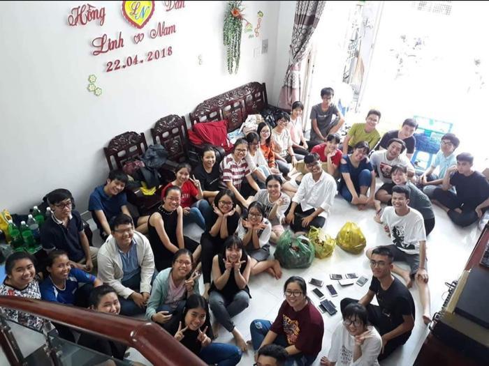 """Buổi họp lớp cấp 2 diễn ra theo nguyên tắc """"3 không"""" của các bạn cựu học sinh trườngTHCS Thái Văn Lung (quận Thủ Đức, TPHCM)"""