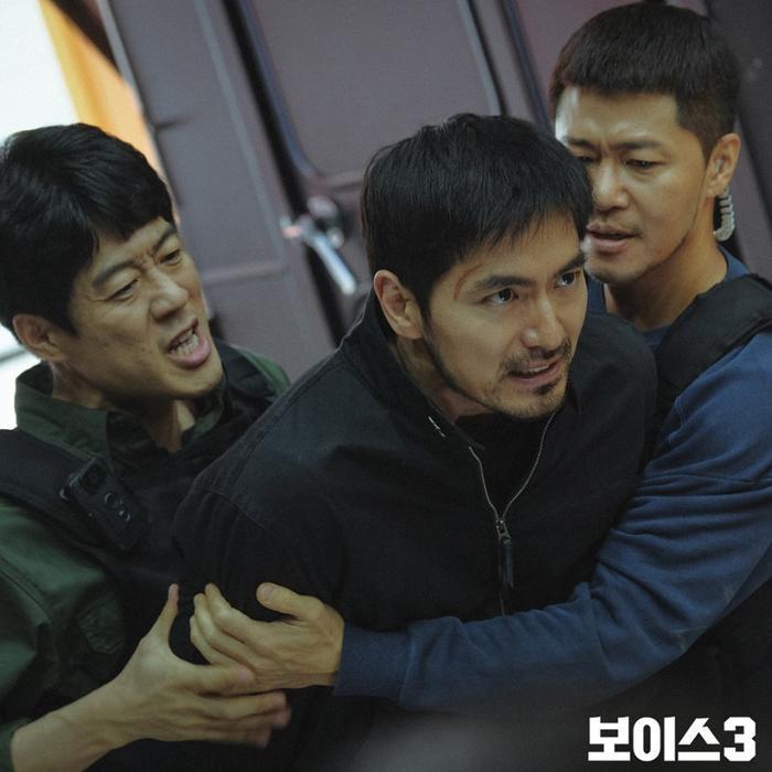 Voice 3: Nhà sản xuất nói về cái chết của Lee Jin Wook và kế hoạch làm phần 4 ảnh 2