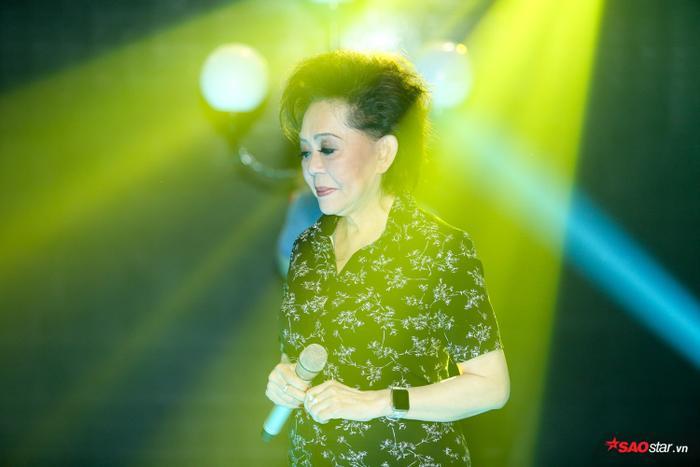 """""""Nữ hoàng sầu muộn"""" Giao Linh sẽ song ca cùng học trò duy nhất trong đêm thi Bán kết."""