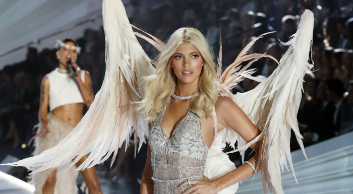 Bị dàn thiên thần quay lưng, rating tụt giảm nghiêm trọng, hồi tàn của Victoria's Secret đã điểm? ảnh 3