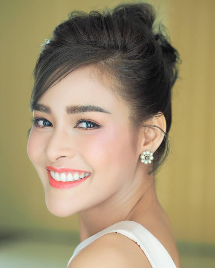 Pooklook Fonthip, nữ diễn viên người mẫu xinh đẹp sinh năm 1990