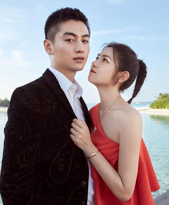 Có thể nói Trần Hiểu và Trần Nghiên Hy là đôi vợ chồng thường xuyên bị réo tên trong những tin đồn hôn nhân trục trặc và chuẩn bị ly hôn nhiều nhất nhì làng giải trí Hoa Ngữ dạo gần đây