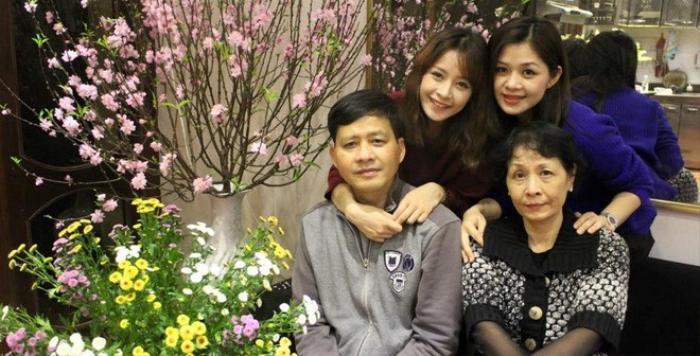 Gia đình hạnh phúc của chị em hotgirl Thùy Vân - Chi Pu.