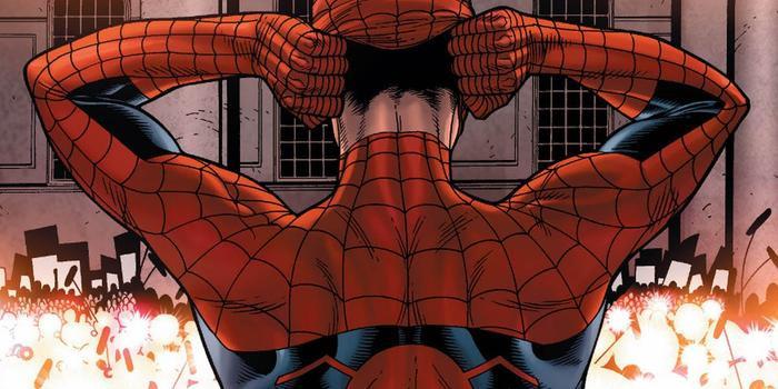 Việc lột mặt nạ của Spider-Man trong truyện tranh từng mang đến hậu quả nghiêm trọng cho anh và gia đình.