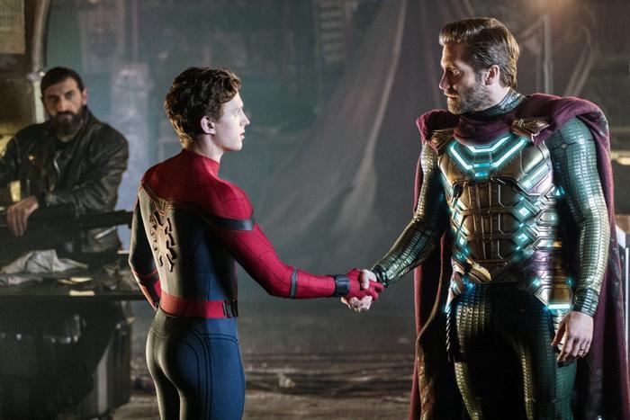 """""""Far From Home"""" ẩn giấu nhiều chi tiết có liên quan đến đa vũ trụ Marvel."""