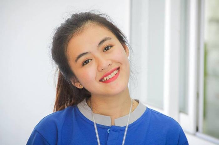 """Là cô gái tràn đầy sức trẻ, yêu sự năng động nên Uyên luôn tham gia các hoạt động của trường, có thể kể đến: cuộc thi """"Poly sáng tạo"""", MC chương trình """"Lớp học xanh – Lá phổi xanh"""", Poly's Got Talen, Chào đón tân sinh viên,…Nữ sinh FPT cho rằng, để cân bằng giữa việc học và tham gia hoạt động thì việc đầu tiên sinh viên cần biết sắp xếp quỹ thời gian trong ngày một cách hợp lý nhất."""