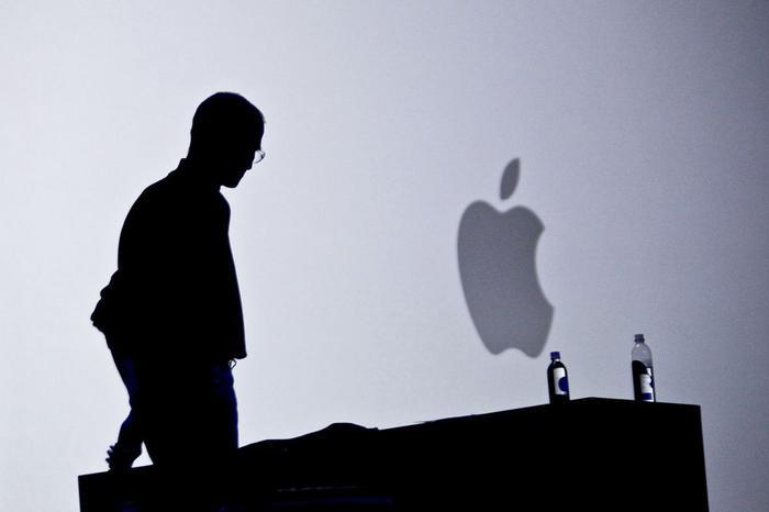 Bill Gates nói Steve Jobs đã dùng phép thuật mới có thể cứu Apple khỏi sụp đổ ảnh 0