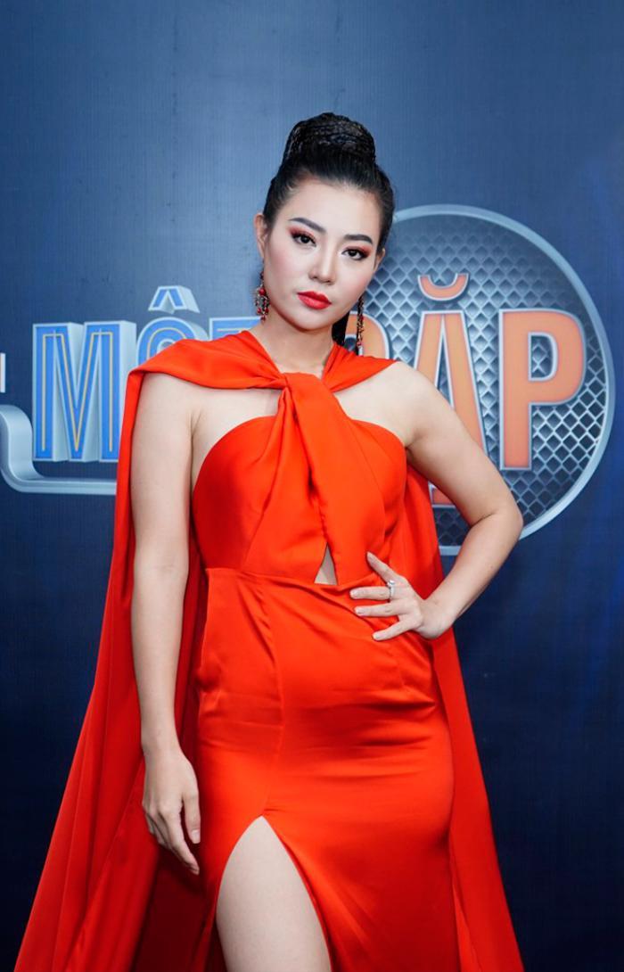 Chị đại Thu Phương - Thanh Hương đốt cháy sân khấu với sắc đỏ cam nồng nàn