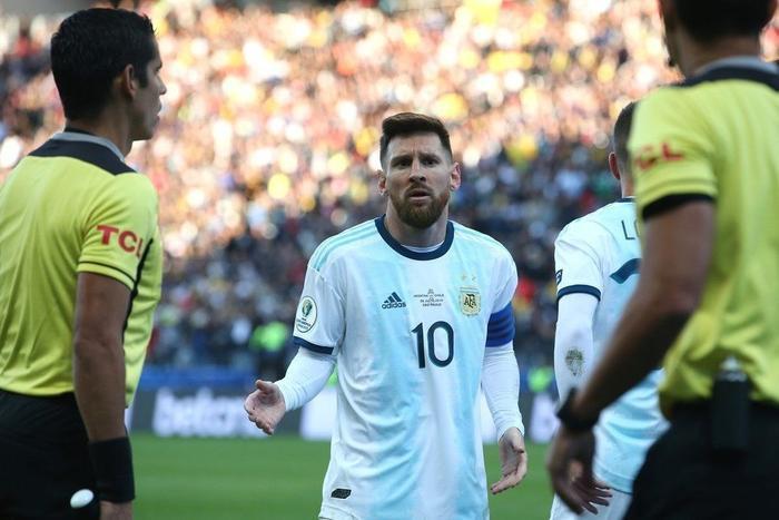 Messi nhiều khả năng khó có nổi một danh hiệu tại ĐTQG nếu bị treo giò 2 năm.