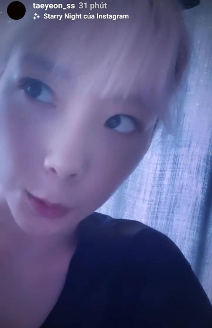 Taeyeon livestream chia sẻ về dự án lần này của mình.