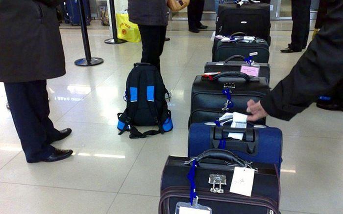Với chính sách mới, từ ngày 1/8, hành xách được xách hành lý có tổng trọng lượng tối đa 12kg lên máy bay