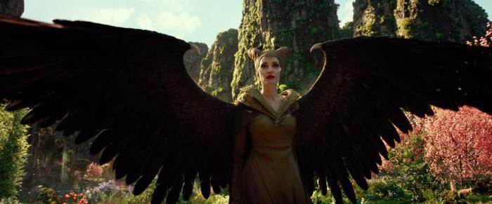 Dàn nhân vật xuất hiện trong bom tấn mới của Disney 'Maleficent: Mistress of Evil' là những ai? ảnh 1