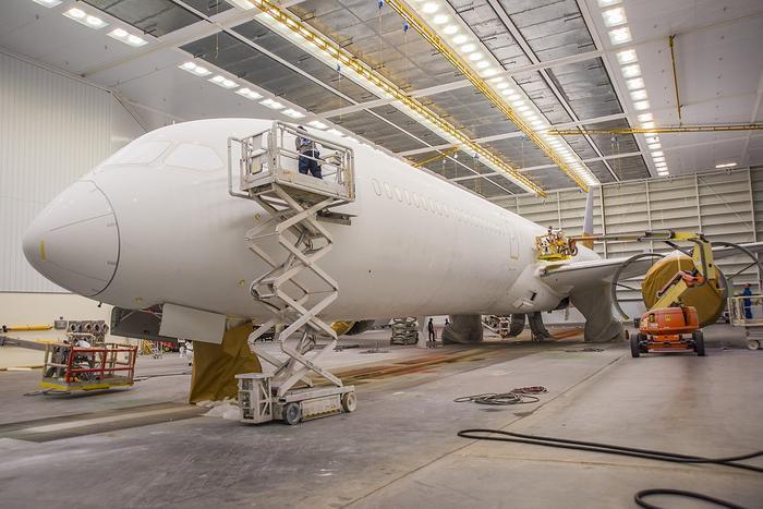 Sự gia nhập của những chiếc Boeing 787-10 thời gian tới đây sẽ là dấu mốc mới trong việc tăng cường đội tàu bay thân rộng, hiện đại của Vietnam Airlines.