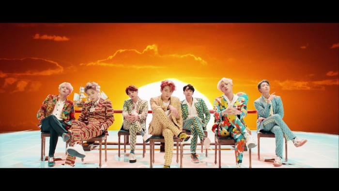 Cùng với BTS là hai nhóm nhạc được ghi danh tại Đại lộ danh vọng Dubai.