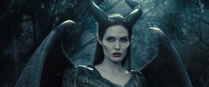 Tạo hình xuất sắc của Maleficent giúp Mistress of Evil ghi tên vào hạng mục Hóa trang.